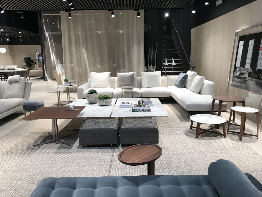 Flexform is an italian industrial company that relies on deeply rooted expertise in the production of finely crafted sofas and furnishings with an innate